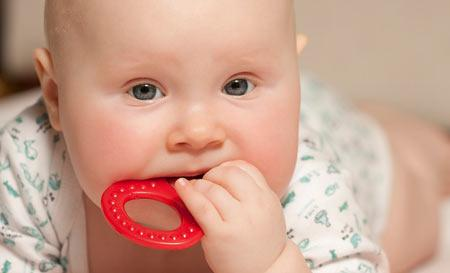 prorezyvanie-zubov-u-mladencev.jpg
